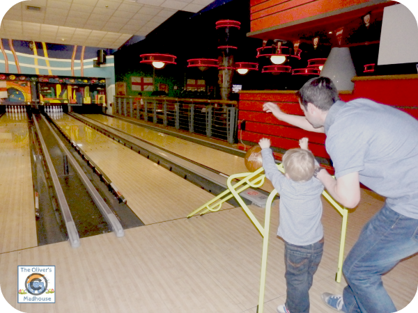 Active Family - Bowling Buddies The Oliver\\\'s Madhouse
