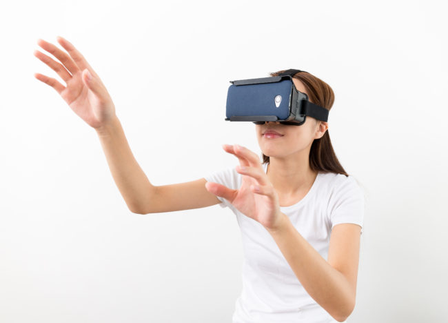 using the virtual reality headset and two hand touch on air