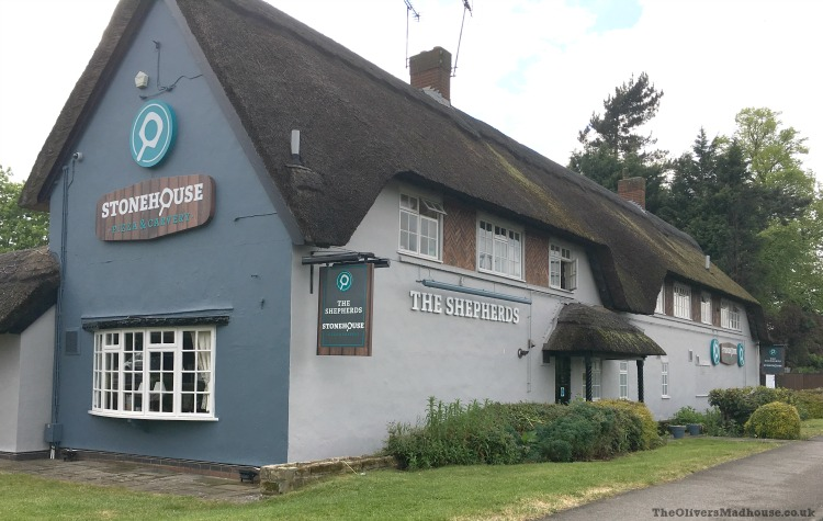 Family Dining At The Shepherds Stonehouse Pizza & Carvery Nottingham The Oliver\\\'s Madhouse