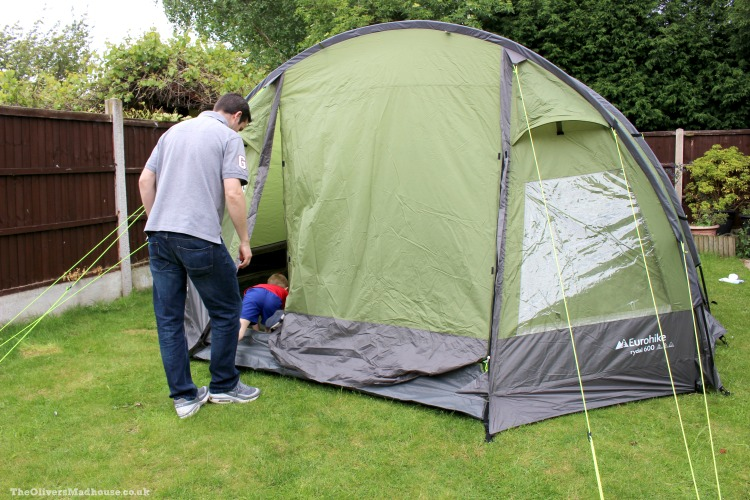 The Garden Campsite - Putting Up The Tent The Oliver\\\'s Madhouse