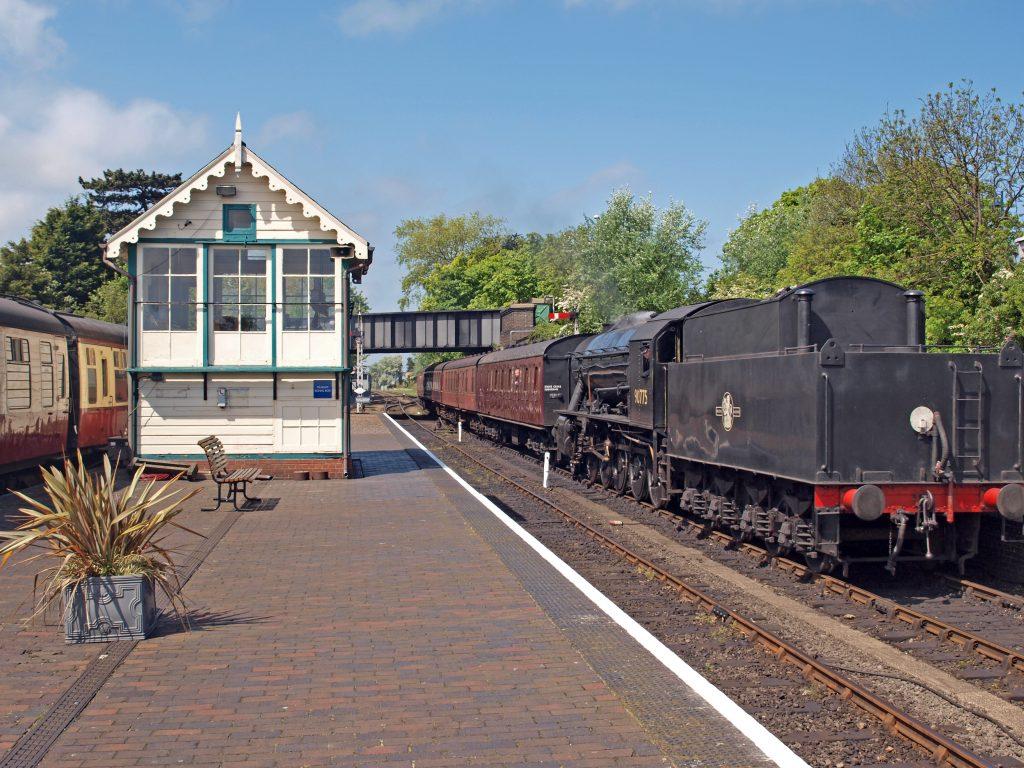 Steam engine No 90775, built by North British Locomotive Company, Glasgo. Comming into Sheringham Station.