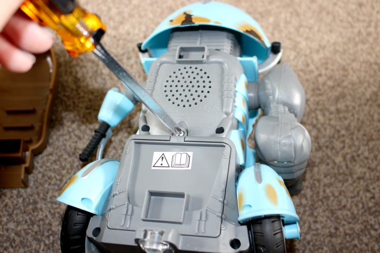 Transformers: The Last Knight Radio Control Autobot Sqweeks - A Review The Oliver\\\'s Madhouse