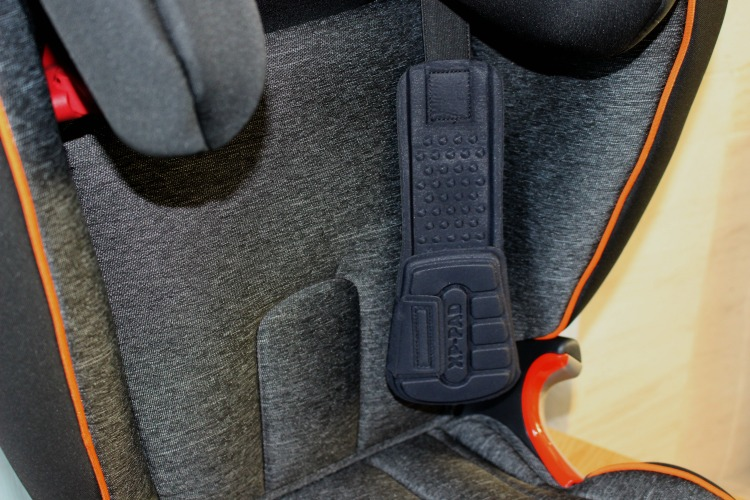 A Britax Römer KIDFIX II XP SICT Black Series Car Seat Review The Oliver\\\'s Madhouse