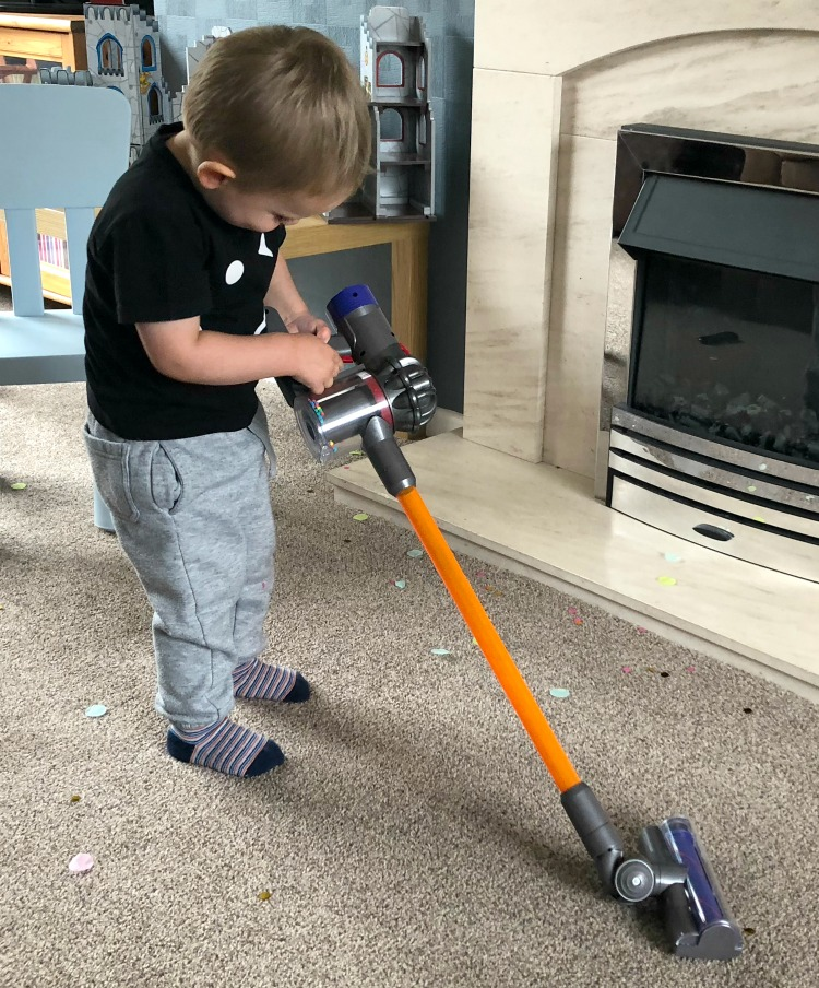 Casdon Little Helper Dyson Cord-free Vacuum Cleaner Toy - A Review The Oliver\\\'s Madhouse