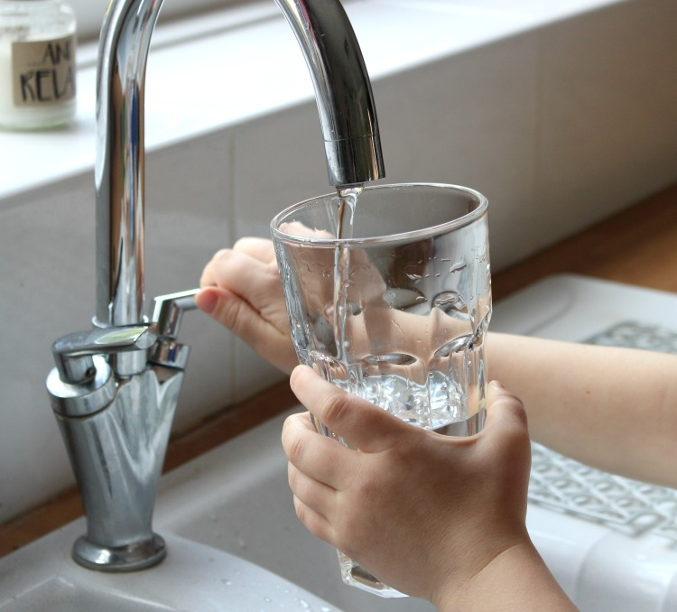 Making The Switch To Filtered Water On Tap & Becoming More Environmentally FriendlyWith Swich The Oliver\\\'s Madhouse