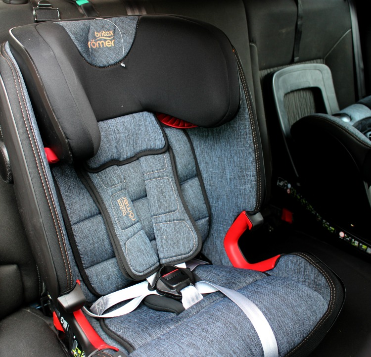 Solving The Issue Of Multiple Car Seats In The Back Of The Car With The ADVANSAFIX IV R From Britax Römer The Oliver\\\'s Madhouse